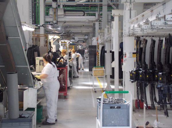 Разнорабочий на автомобильный завод Faurecia