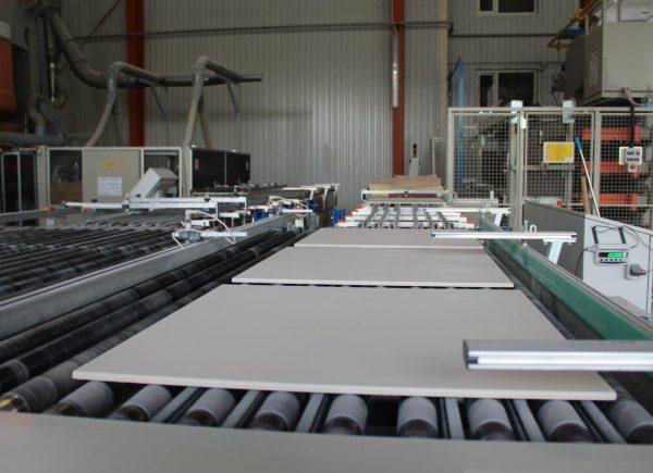 Работа на заводе керамики в отделе плитки